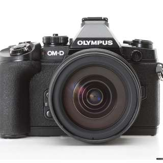 Olympus Mirrorless Micro Four Thirds Heavy Discounted! OMD-EM1 Bundle Camera Kit with Lenses