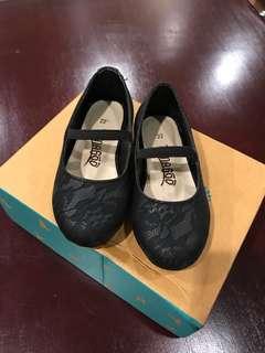Sepatu anak perempuan Tamagoo hitam motif renda  girl shoes