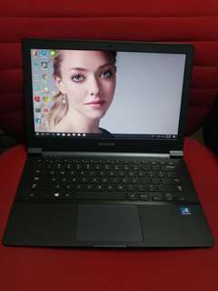 Samsung 13 inches SSD internal camera very fast speed and good cor study