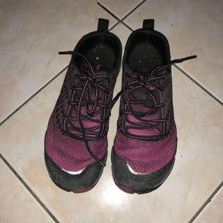 MERRELL VIBRAM hiking shoes