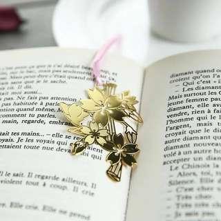 18K Gold Plated Bookmark - Sakura