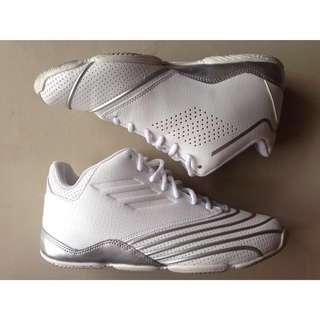 🔹adidas籃球鞋