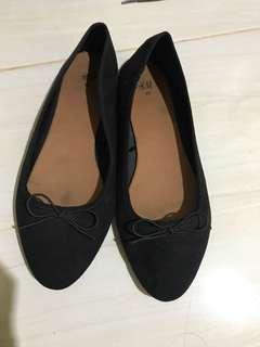 H&M Flatshoes Hitam Ballerina