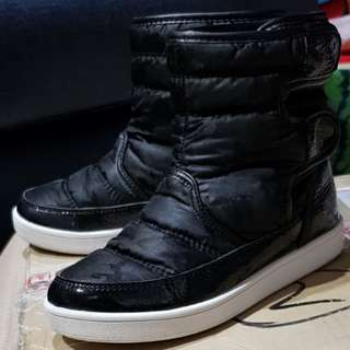 🚚 二手童高筒靴31碼