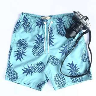 Abercrombie Clasicc trunk blue printed pineapple