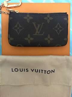 LV key coin bag
