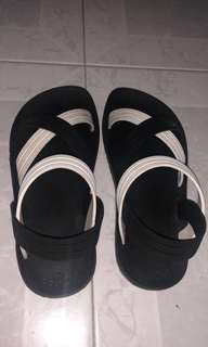 Blackout sandal