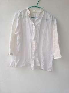🚚 Uniqlo 棉麻白襯衫