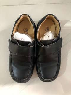 Gibi leather shoes