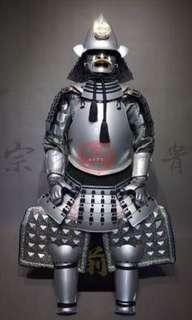 日本戰國大名織田信長銀漆南蠻胴具足甲冑,真人可穿。