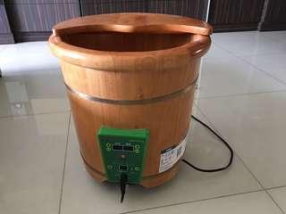 Wood foot bucket