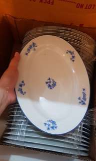 33 pcs Dish Plates for Php 2,000