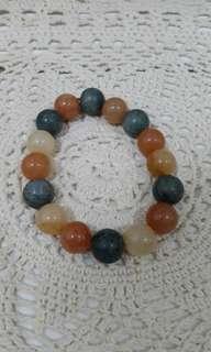Gelang dari batu alam asli warna campur