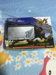 Nintendo New 3DS XL Monster Hunter 4 Ultimate Limited Edition