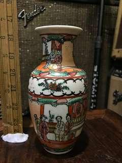 舊廣彩小花瓶