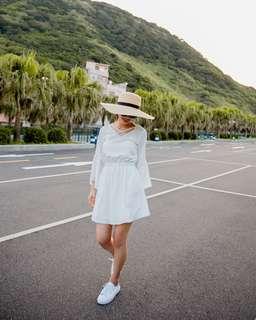 🚚 Mercci22蕾絲露背前交叉洋裝全新