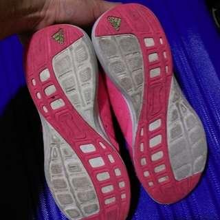 🚚 Adidas original (US 3.5)