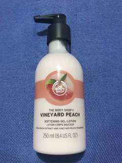 Brand New Auth The Body Shop Vineyard Peach Lotion