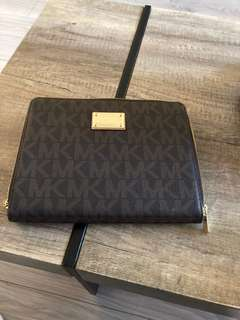 Michael Kors New IPad Multi Compartment Case with Kickstand