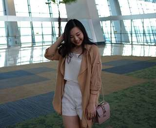 Outer in creme nude