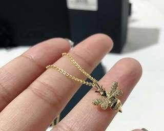 🚚 APM  Monaco 金黃色項鏈配晶鉆鎖骨吊墜~ 預售10條