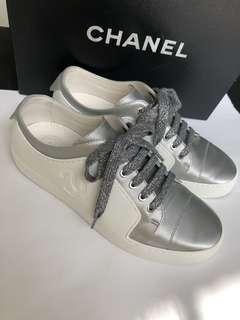 🚚 Chanel 香奈兒 缺貨款 百搭 平底小白鞋