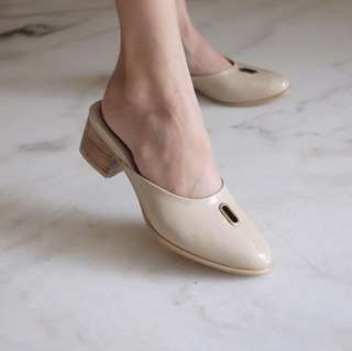 nude '13th shoes' slippers NETT