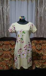 Yellow stretch dress