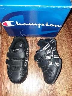 sepatu anak champion