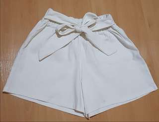 White Shorts with Center Tie/Ribbon/Bow