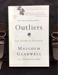 # Highly Recommended 《Preloved Paperback + Explores Why & What Makes High-Achievers Different? 》Malcolm Gladwell - OUTLIERS : The Story Of Success