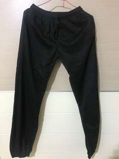 🚚 黑色休閒長褲