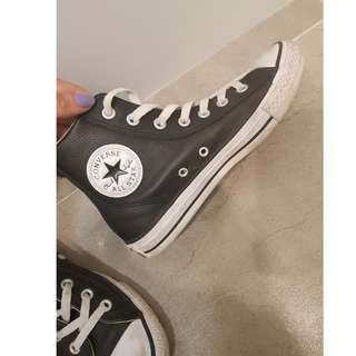 Authentic All Star Converse - Size US 7