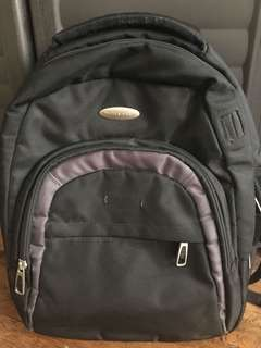 Authentic World Traveler Laptop Bag/Backpack w/ Multiple Compartments