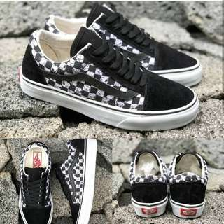 Vans os peanuts checkeboard size 40 44