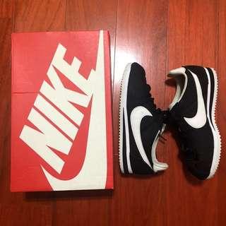 🚚 ✨二手✨Nike Classic Cortez 阿甘鞋 黑色白底 22.5cm