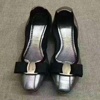 🚚 ★Ferragamo★蝴蝶結羊平底蛋卷鞋