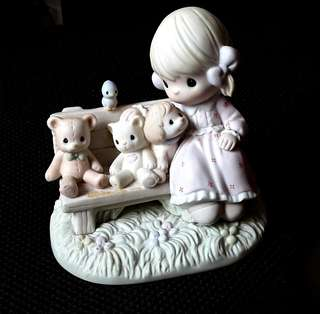 Precious Moments Figurine - There's Always Room For A New Friend