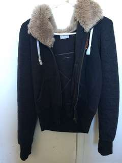 Vintage zipper jumper with fluffy hood