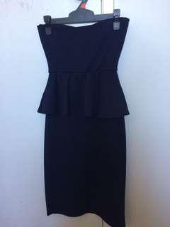 Navy blue cocktail dress, strapless. Size 8