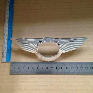 Bentley CFS front grille emblem