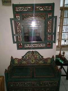 Meja dan kaca Rias