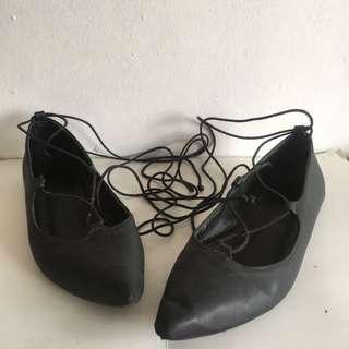 Tutum tie up shoes
