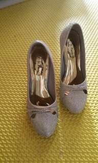 Sepatu pesta/ Party shoes