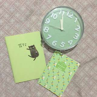 Bundle of 2 mini notebooks! 💚