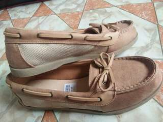 Payless shoes for only P700!!