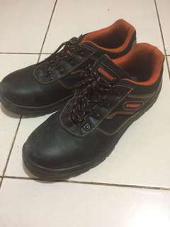 Krisbow Safety Shoes