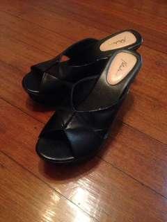 (Repriced)Natasha sandals w/heels