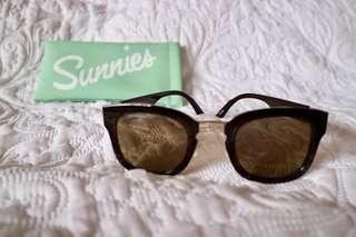 Brown Sunglasses with Rosegold Detail