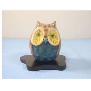 Vintage ceramic owl on display wood stand hand painted retired circa 1970s new